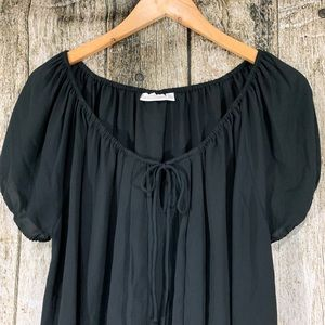 Black blouse with tie string by Eva Mendes size XL